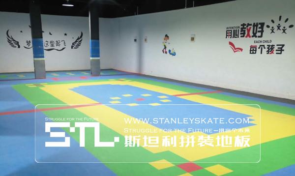 河南新乡龙卷风轮滑163平斯坦利拼装地板室内轮滑球场,STL斯坦利悬浮拼装轮滑地板