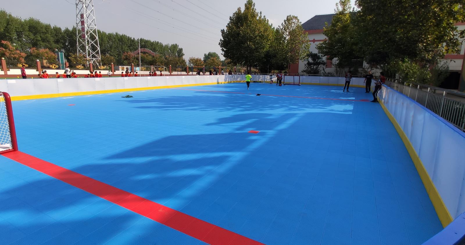登封市书院河路小学建成标准轮滑球场地