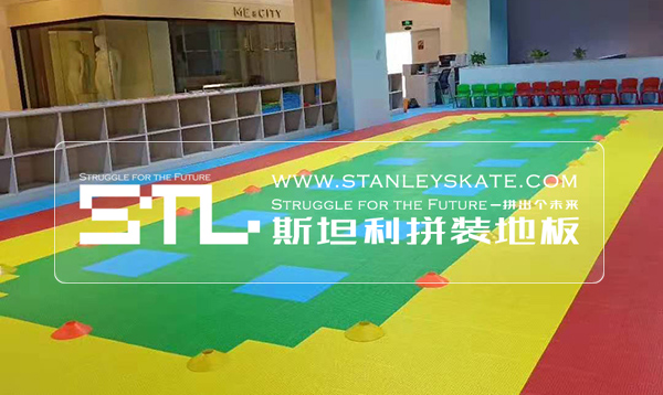 新疆喀什天之骄子轮滑132平斯坦利拼装地板室内轮滑馆,斯坦利轮滑拼装地板案例展示