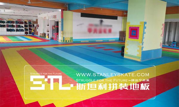 河南安阳甲壳虫轮滑264平斯坦利拼装地板室内轮滑场,斯坦利轮滑拼装地板案例展示